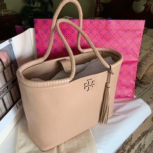 Tory Burch Taylor tote !